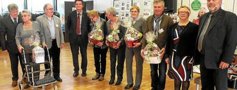 Les cinq membres ayant marqué l'histoire de l'ADMR ont été honoré par Yvonnick Le Pallec, président de l'ADMR - La Ruche Locminé et chaleureusement félicité par les élus .